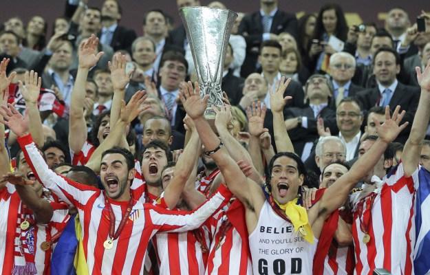 Exposición de trofeos del Atlético de Madrid en la Casa de la Cultura